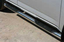 Пороги Toyota RAV4 2006-2012 (труба d 70 с площадками)