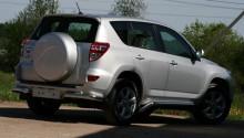 Защита задняя Toyota RAV4 2006-2012 (уголки одинарные d 60) UA Tuning